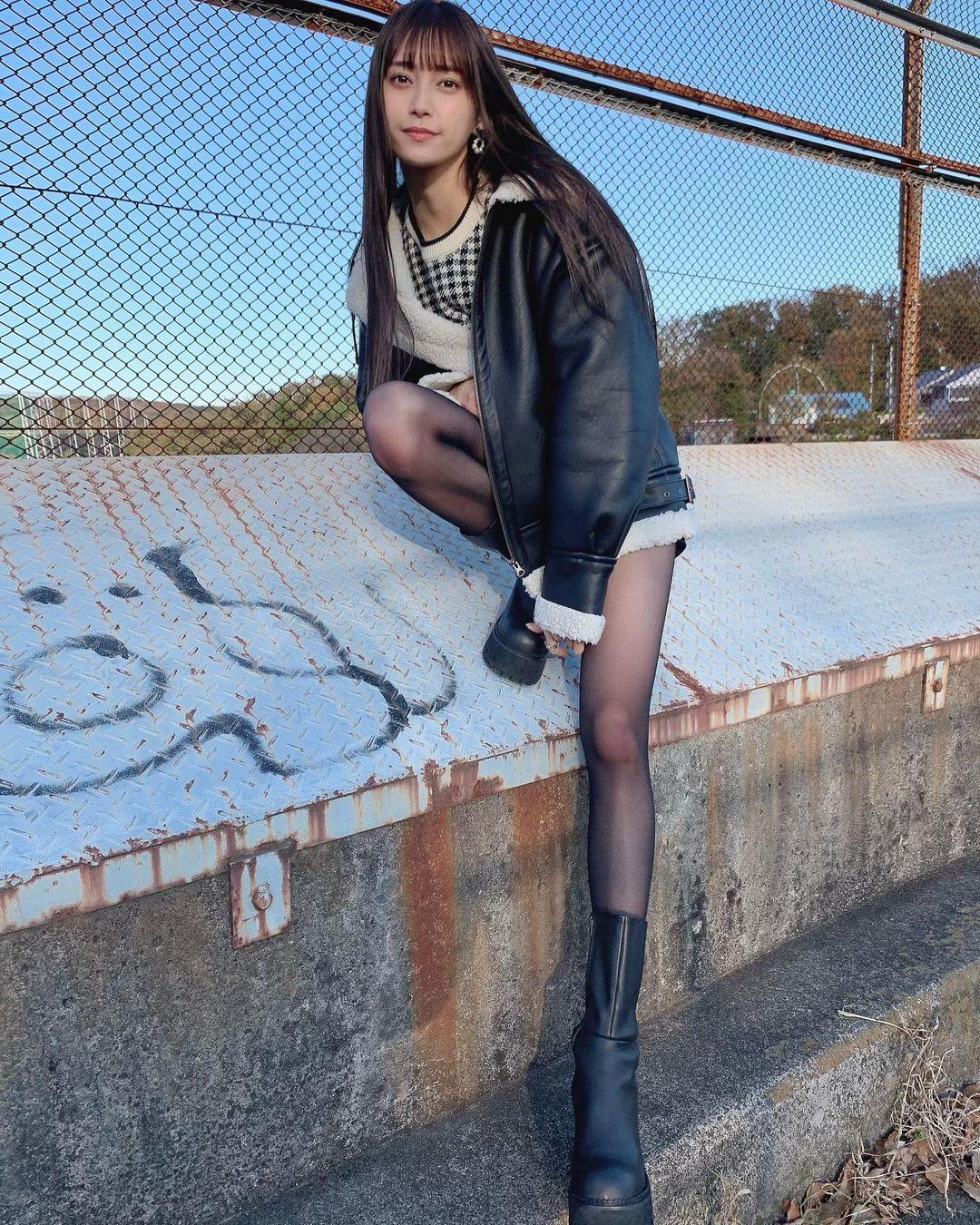 18 岁的青春魅力.清新美女「小山璃奈」高中一毕业就解放长腿 养眼图片 第6张