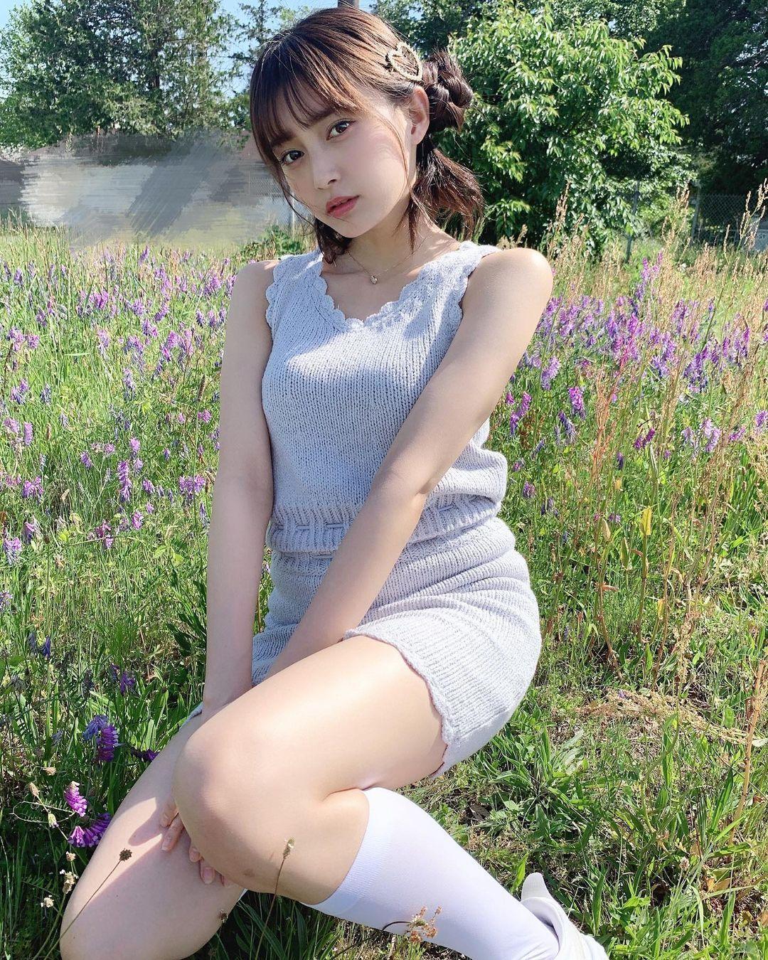 18 岁的青春魅力.清新美女「小山璃奈」高中一毕业就解放长腿 养眼图片 第10张