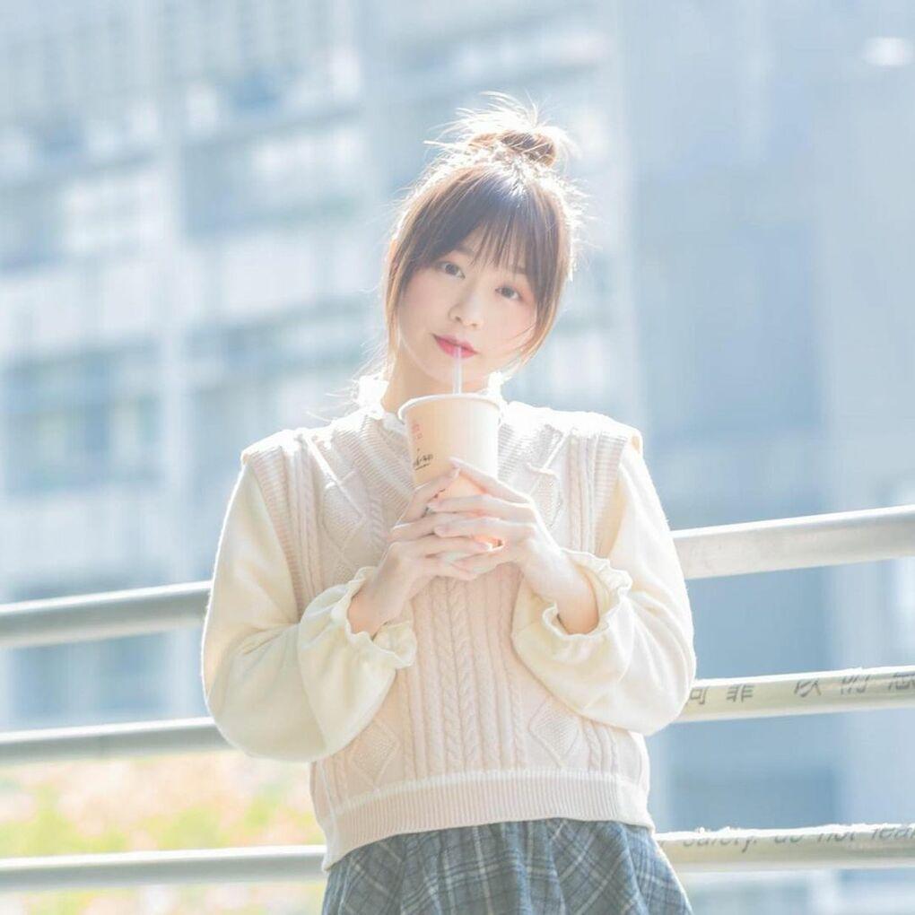 清透嫩白美眉阿耕Yusi满满胶原蛋白的氧气少女(20P) 网络美女 第2张