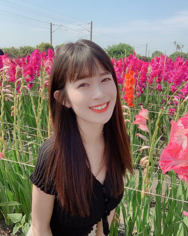 甜美小清新「颜宜安」灿烂笑容好迷人还是个「神隐少女」!