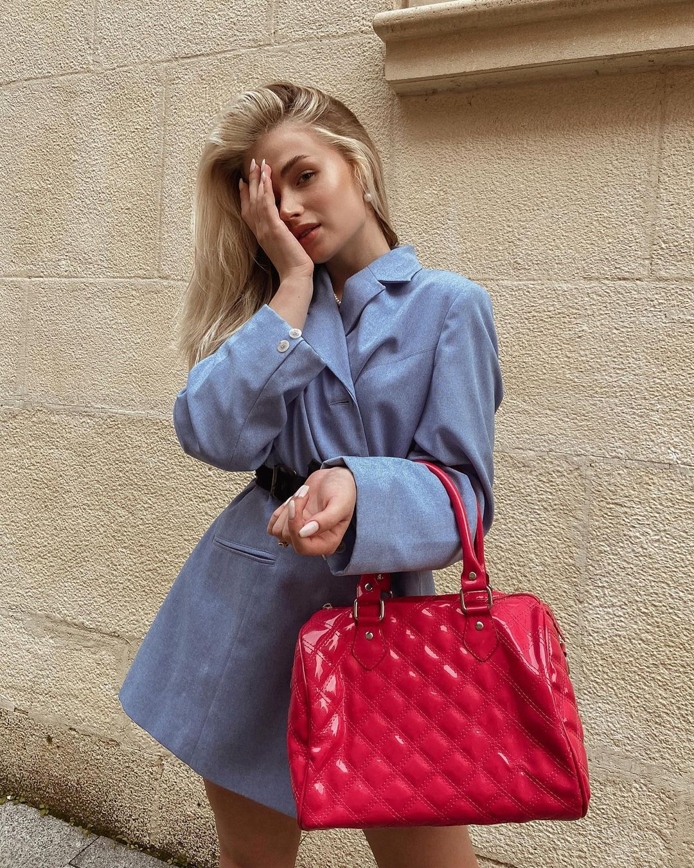 乌克兰妹总是不让人失望 时尚穿搭配高级颜... 个头娇小爆发名模气场 养眼图片 第6张