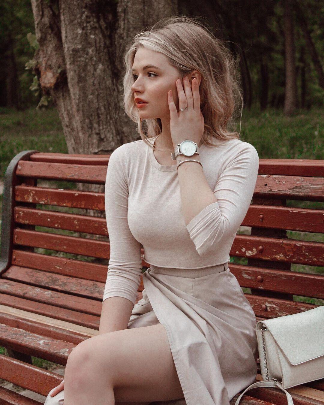 乌克兰妹总是不让人失望 时尚穿搭配高级颜... 个头娇小爆发名模气场 养眼图片 第7张