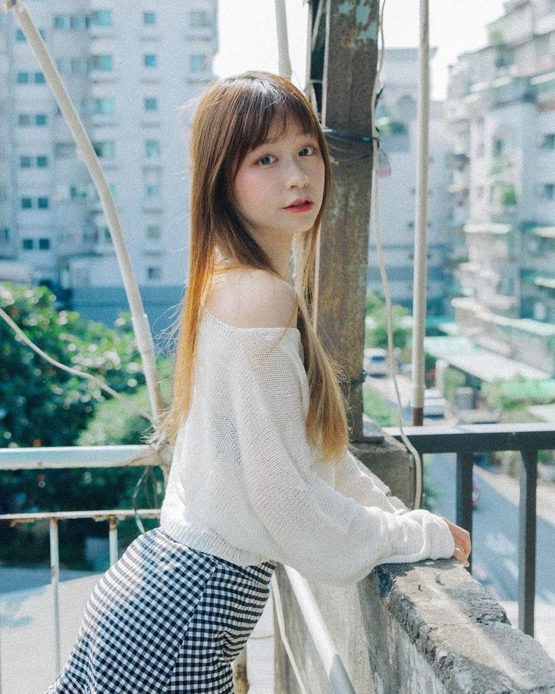 [FB网美]邻家女孩Yusi 光看到这脸蛋就恋爱了!-喵喵女