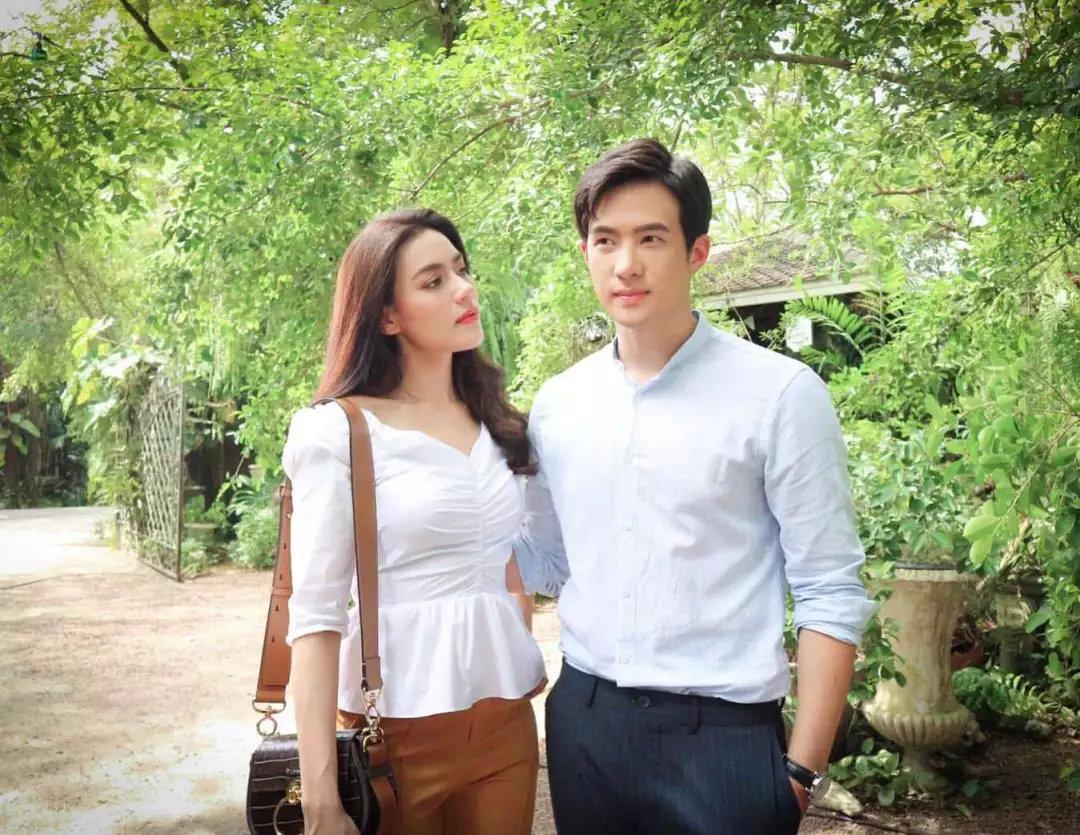 Kim主演前男友执导的泰剧《双生花》已开拍,平男夫妇二搭哟!