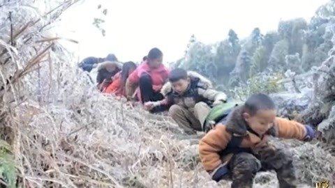 龙溪村的脱贫三宝 基层干部带领全村修公路