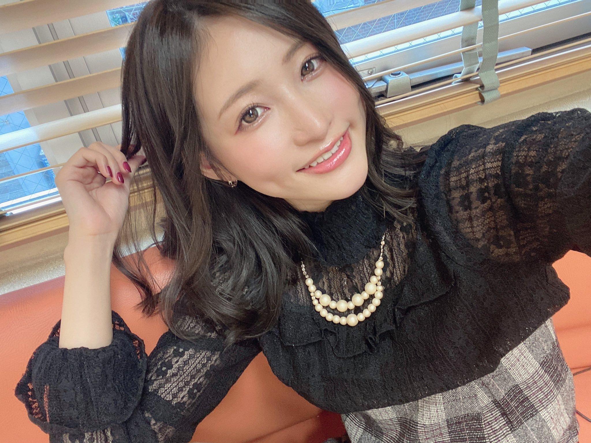 amatsuka_moe 1255407803017187336_p1