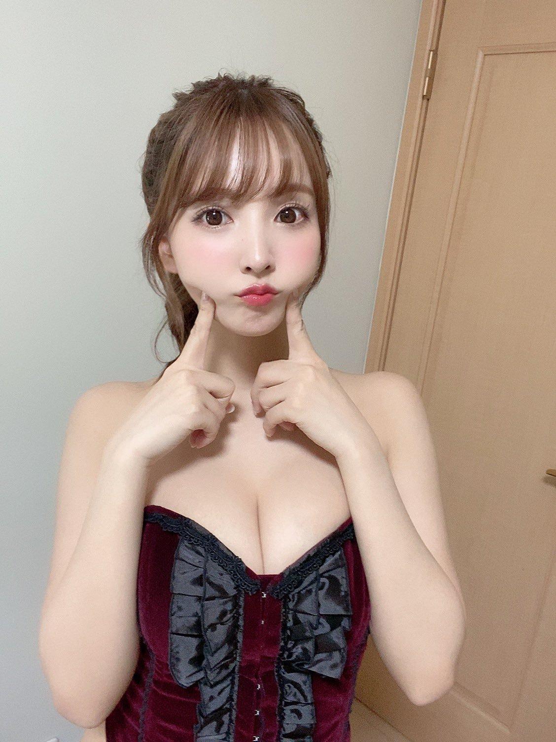 yua_mikami 1269458628349538305_p0