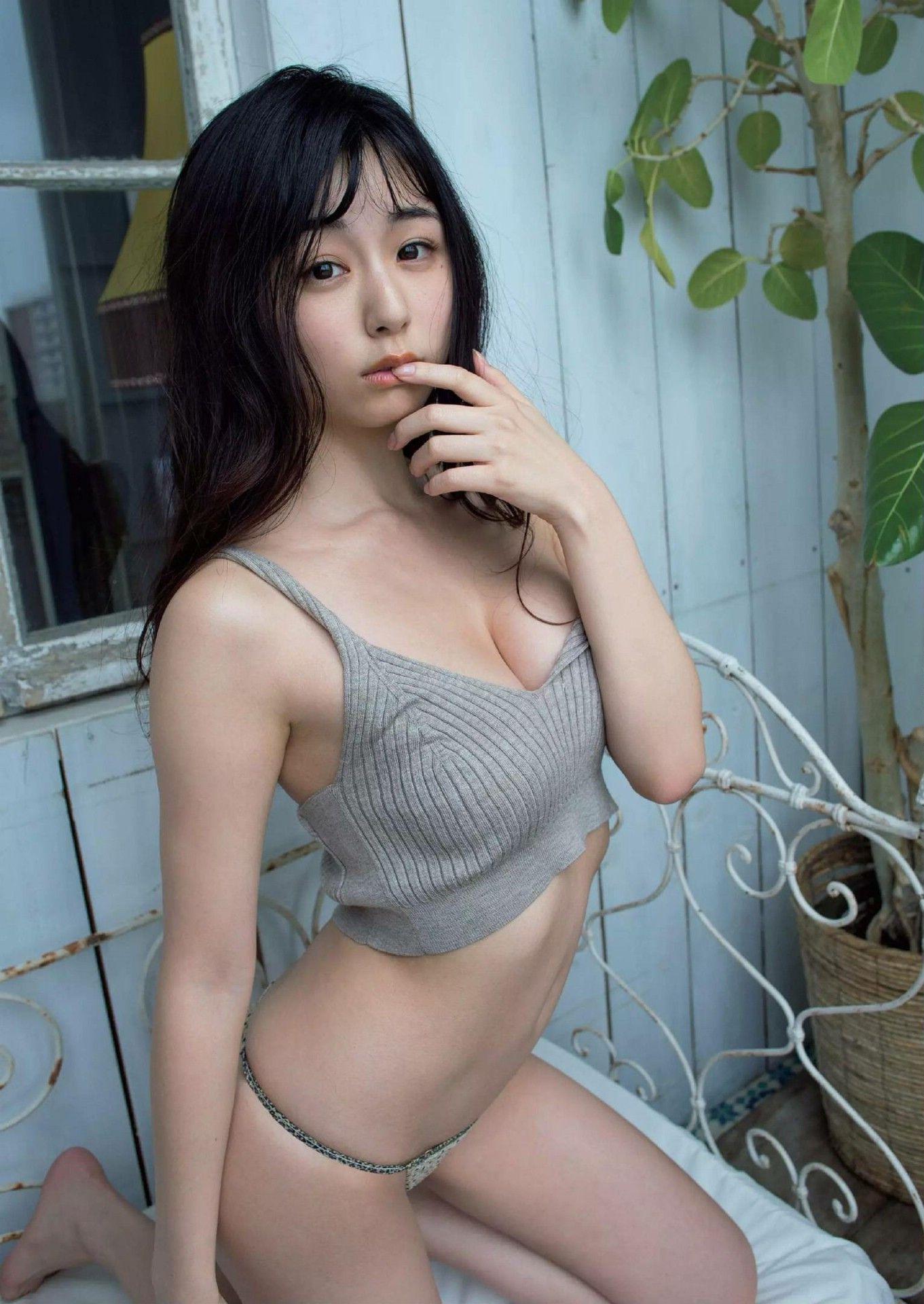 Weekly Playboy 2020-30_imgs-0048_2