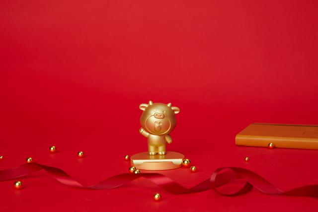 LINE FRIENDS 牛年礼盒OT0310110001(13)
