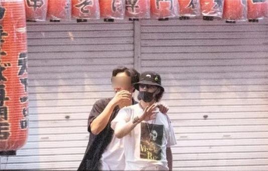 强力抨击日本抗疫不力的野田洋次郎洋次郎反手就是一个聚众狂欢生日派对 (1)