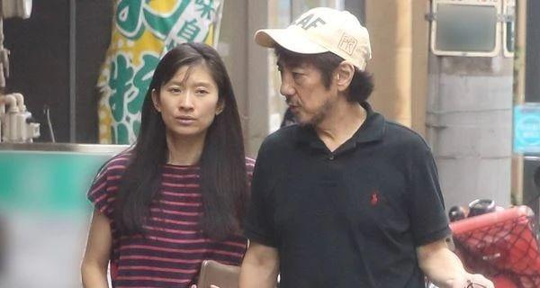 筱原凉子和市村正亲离婚之后孩子的抚养权交给男方而被大家吐槽 (4)
