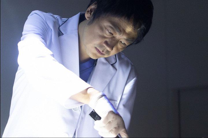 日剧《SIGN—法医学者柚木贵志的事件—》看法医学研究院是如何提升日本解剖率 (4)