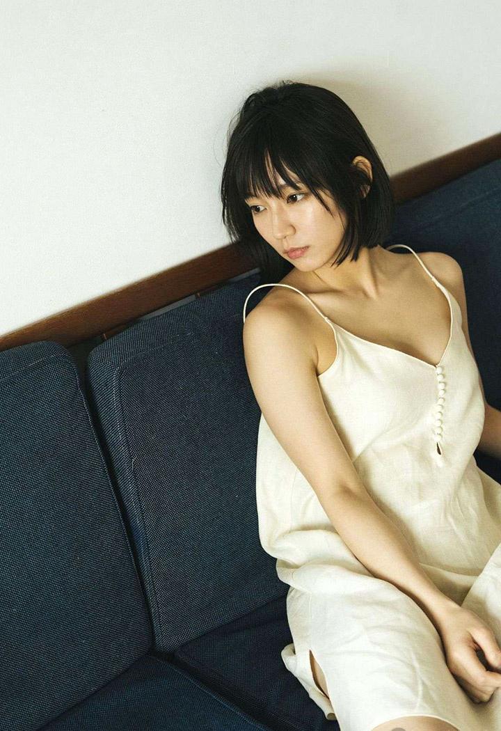 吉冈里帆不断以微性感写真作品协助宣传自己的演艺事业 (42)