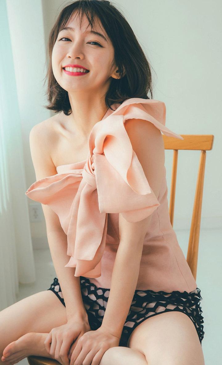 写真女优出身的吉冈里帆每次上映新电影都会拍摄写真作品堆人气 (37)