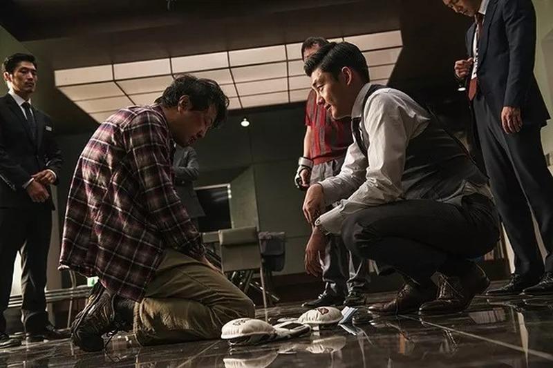 韩国犯罪电影《老手》人民的正义也许会迟到,但是从来不会缺席 (3)