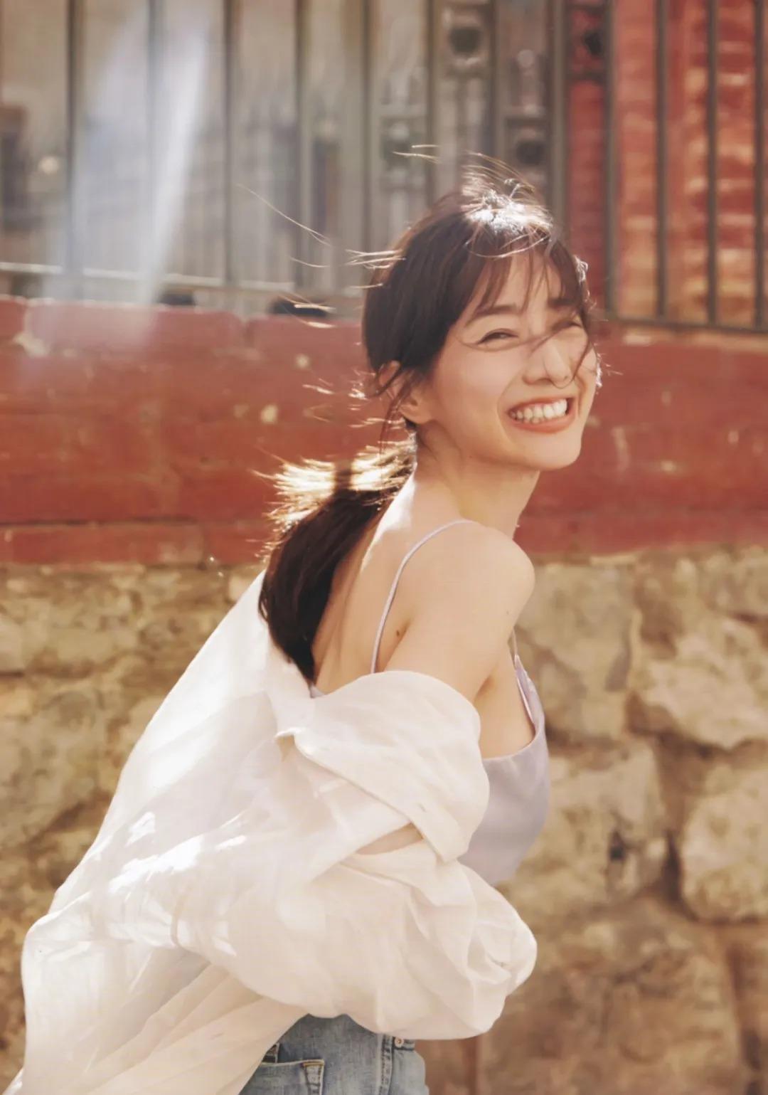 """从""""女性公敌""""华丽转身成为""""美容教主""""的美女主播田中美奈实写真作品 (28)"""