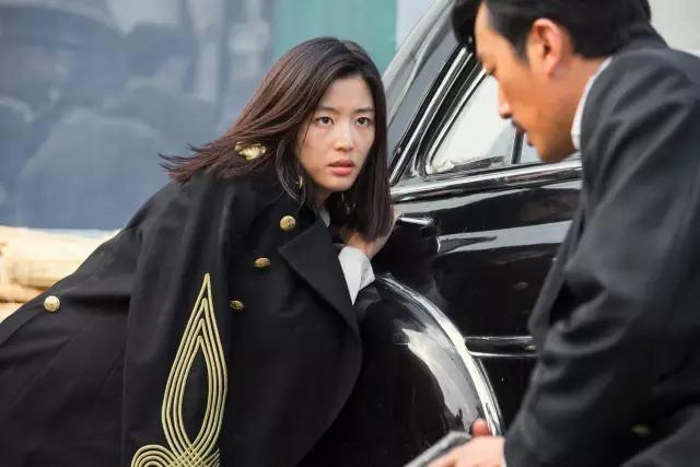 韩国动作电影《暗杀》一睹忠于人性的神枪杀手风采 (8)