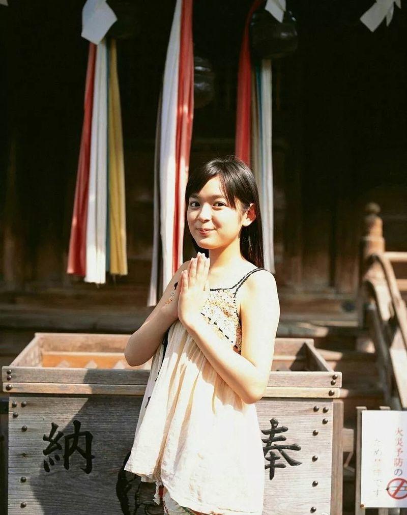 元气满满的天然萌妹纸未来穗香写真作品 (91)