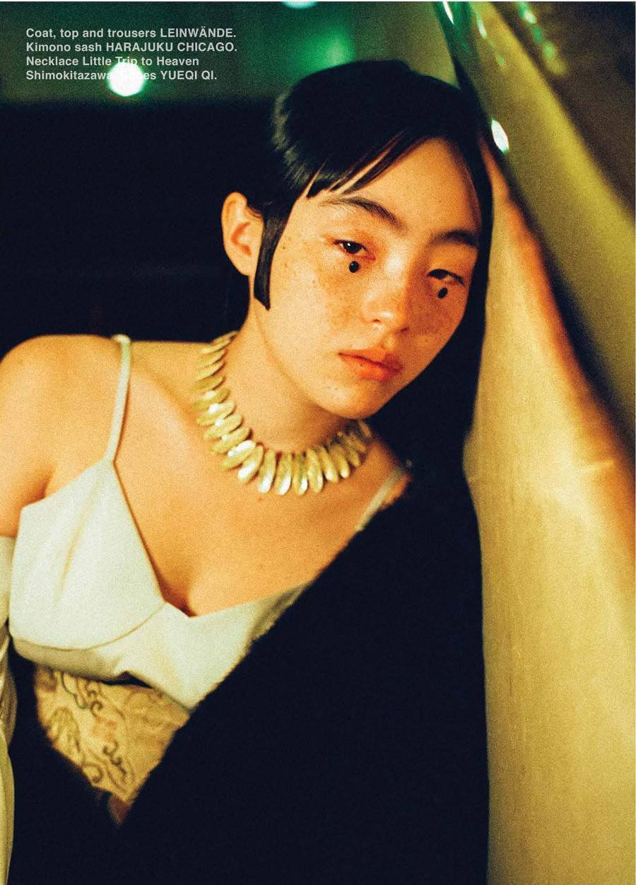 满脸雀斑却依旧很美的混血模特世理奈写真作品 (1)
