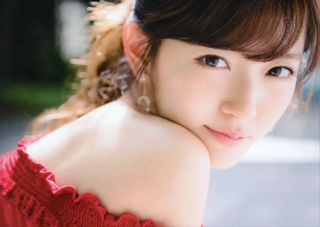 仅仅靠肤白貌美以及完全无法形容的铃木爱理写真作品 (2)