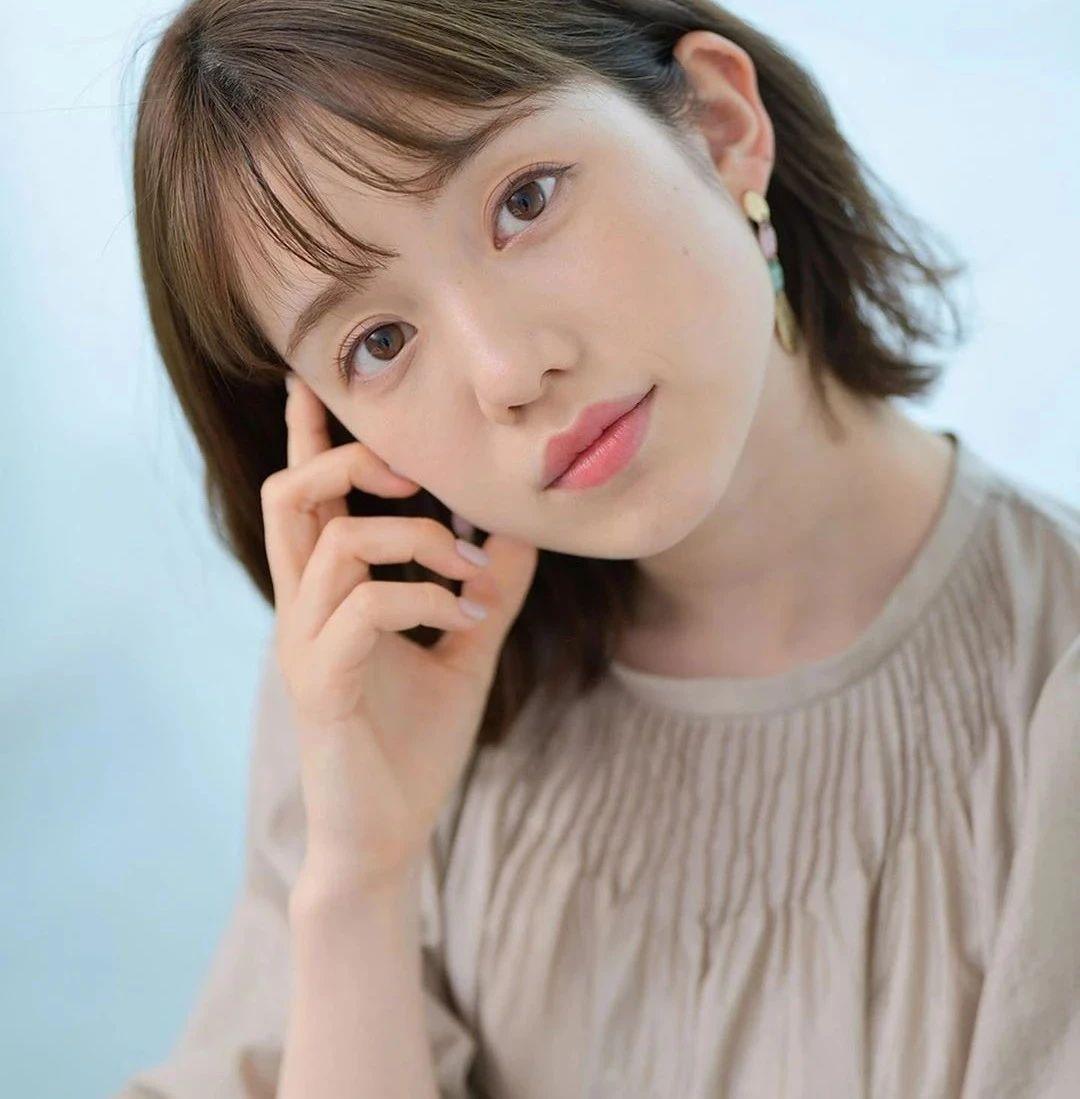 永远一张娃娃脸的棉花糖女孩弘中绫香写真作品 (50)