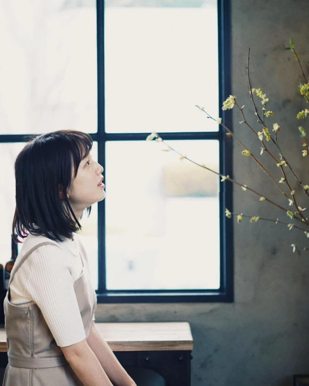 永远一张娃娃脸的棉花糖女孩弘中绫香写真作品 (95)