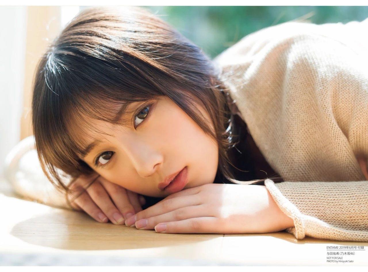 从小美到大的与田祐希《沉默的时间》写真作品 (18)