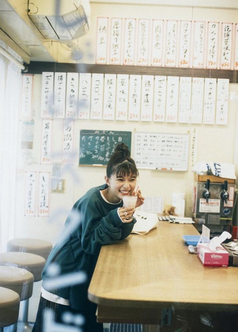 不是很能凸显个性的昭和颜的实力派美女芳根京子 (12)