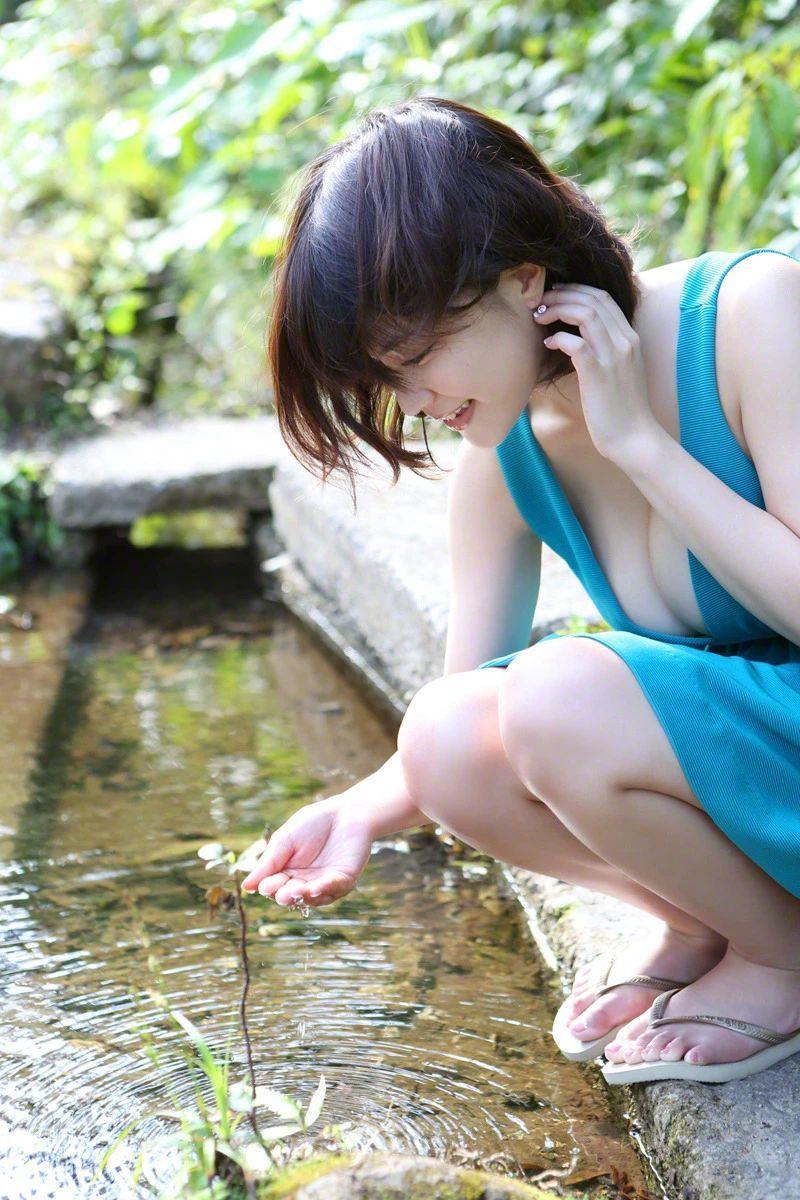 上围夸张身材娇小的写真模特岸明日香写真作品 (6)