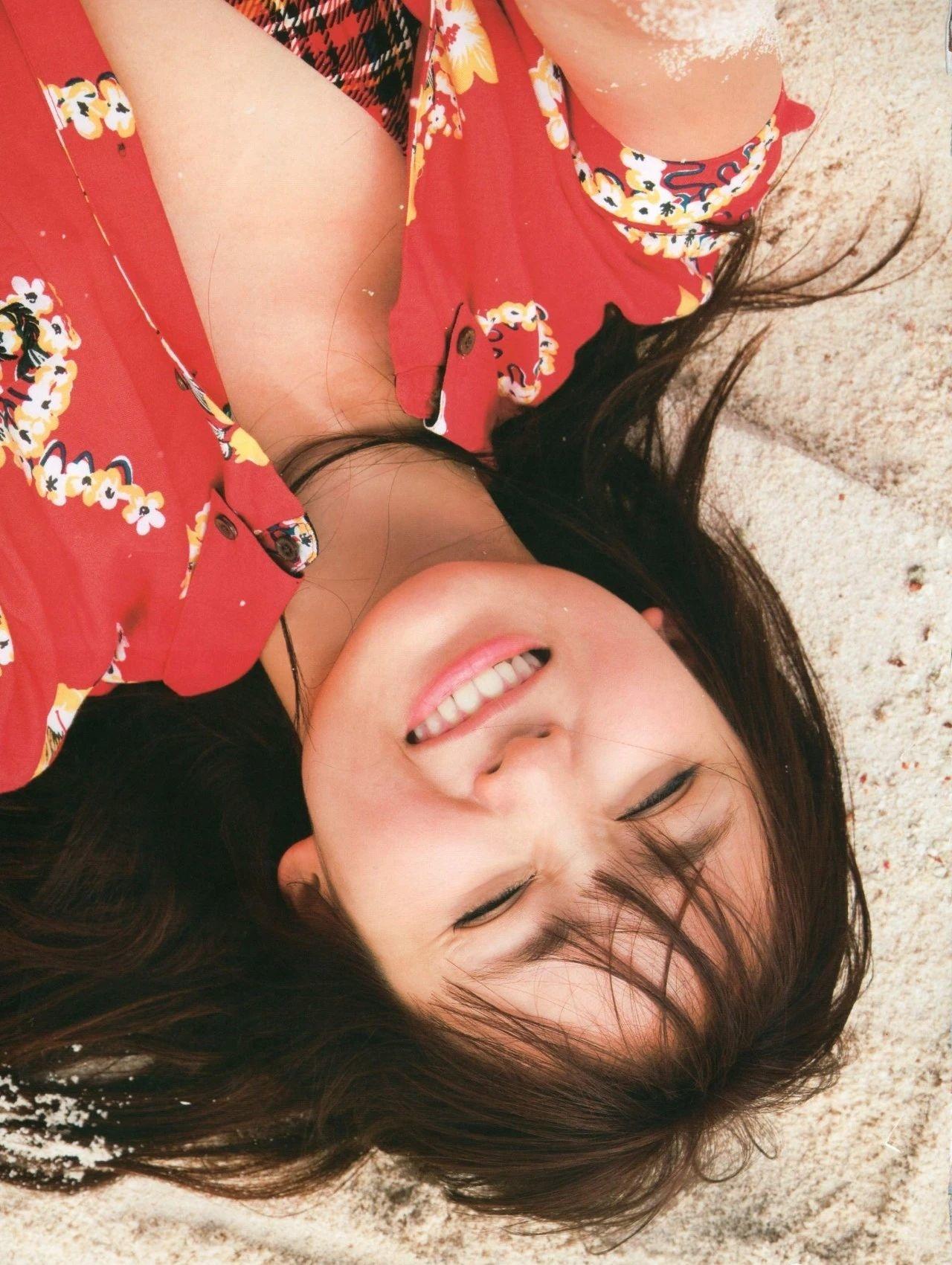 着装性感春光无限的吉木梨纱写真作品 (15)