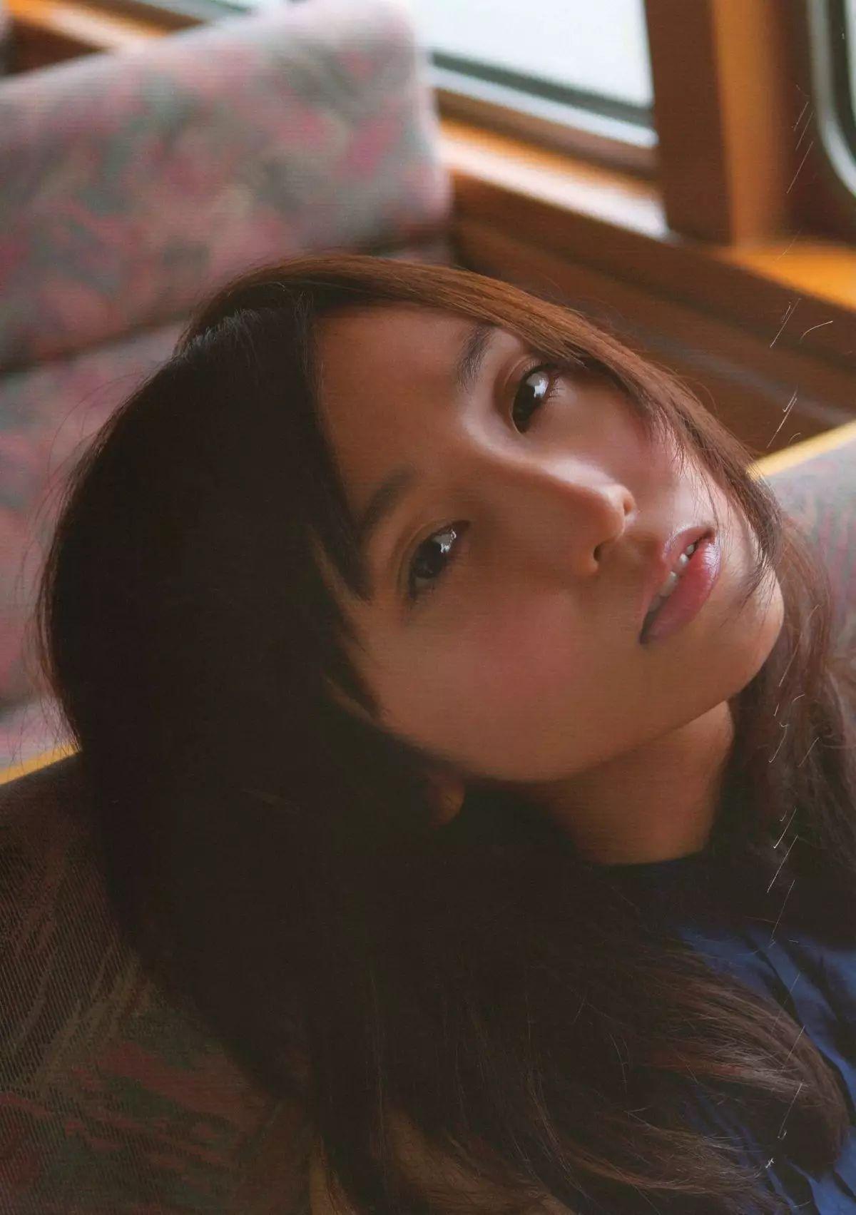 着装性感春光无限的吉木梨纱写真作品 (21)