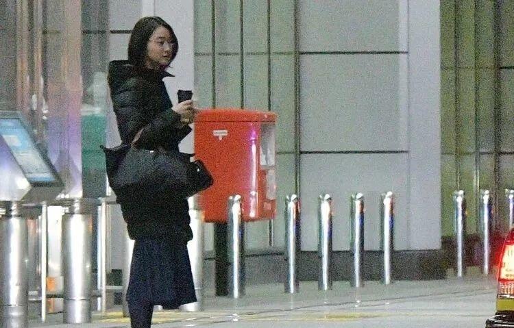 美女主播小川彩佳离婚有望分到10亿日元赔偿金,有没有很意外 (9)