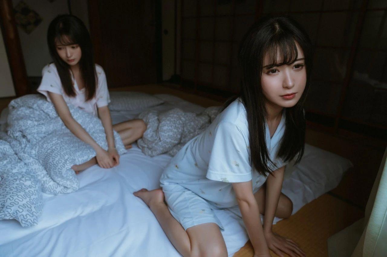 B站UP主果哝双子让你们享受双倍的美好双倍的快乐 (3)