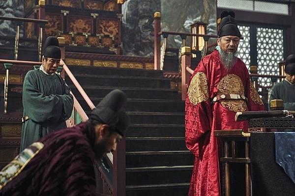 韩国电影《尸落之城》看不到人性与惊悚引不起观众共鸣 (5)