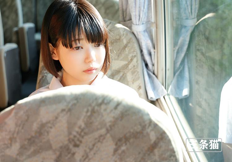 桃乃りん(桃乃铃,Momono-Rin)个人图片,18岁超年轻的妹子 雨后故事 第4张