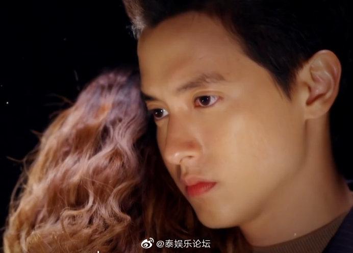 《玫瑰奇缘恋与大明星泰语版》的剧照11
