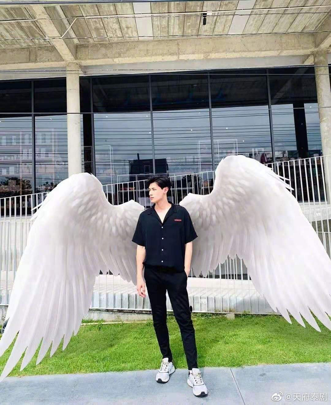 《天使在身边》的剧照7