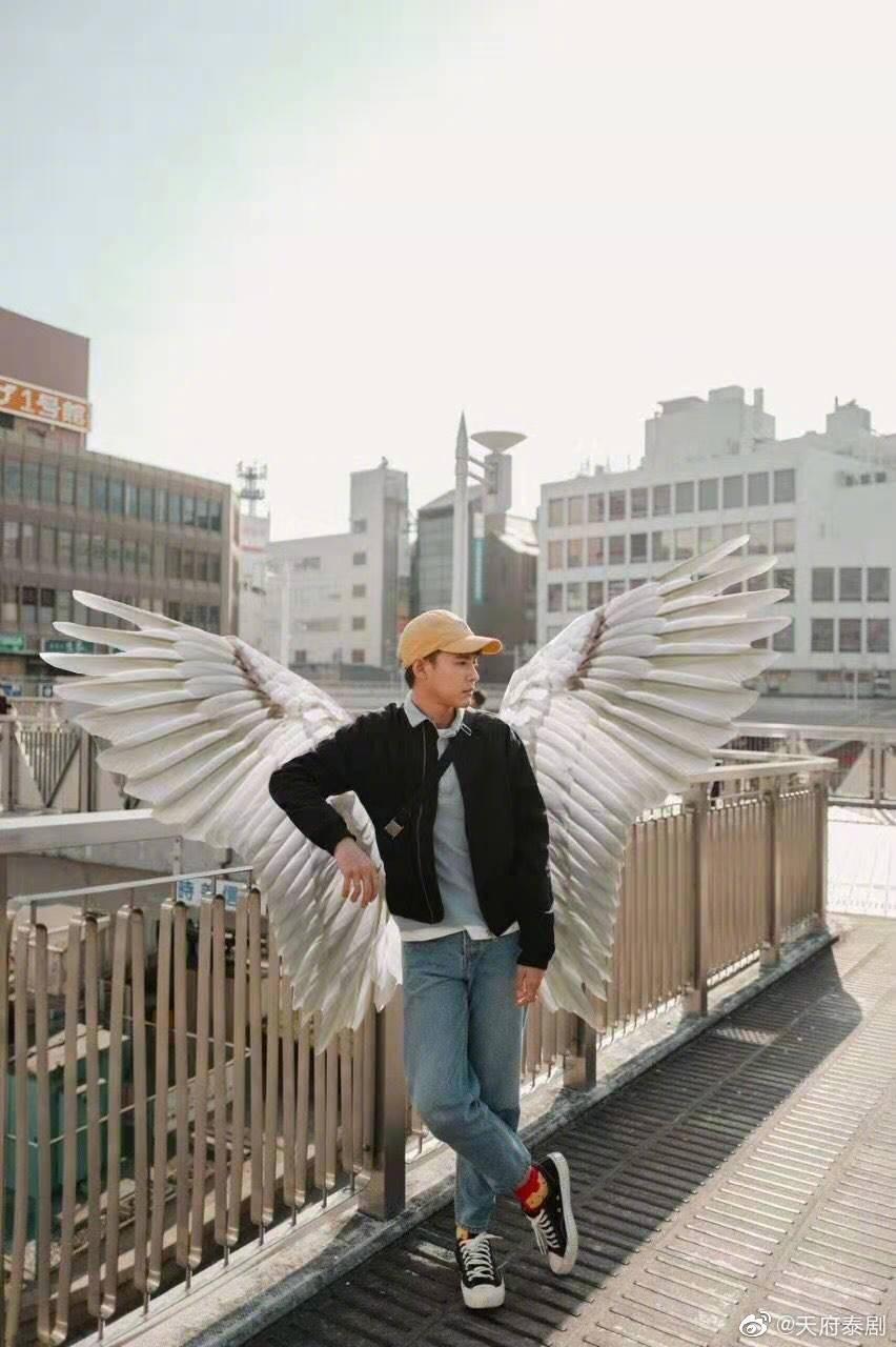 《天使在身边》的剧照8