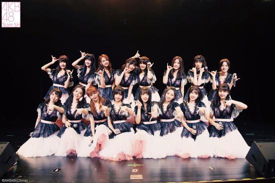 AKB48 Team SH《缩略图》云公演开启 粉丝在线打call