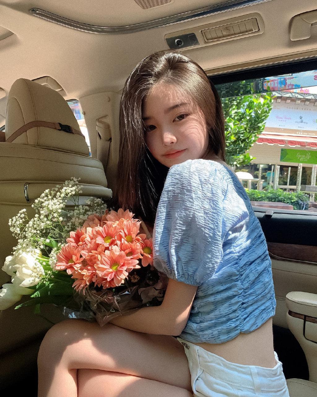 INS坐拥百万粉丝的迷你版Jennie,到底有多美?