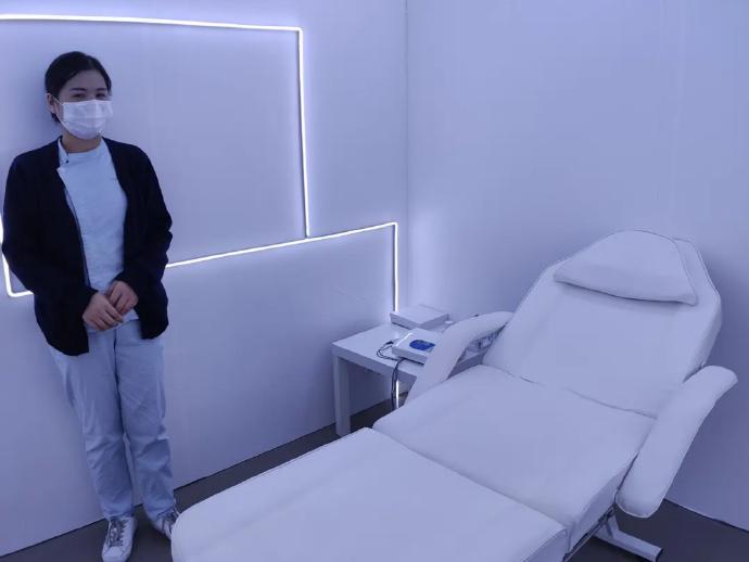 今日美术馆有个孕期体验的展览,5级的产痛是所能忍受的极限了