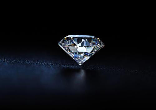 钻石背后的溢价营销和资本套路