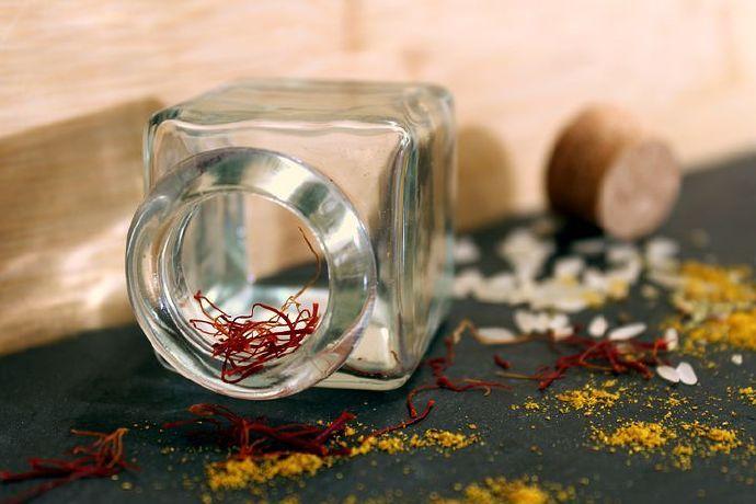 saffron-3082635__480