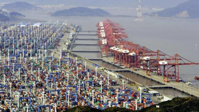 火热的宁波港里,我听到了外贸企业的一声叹息